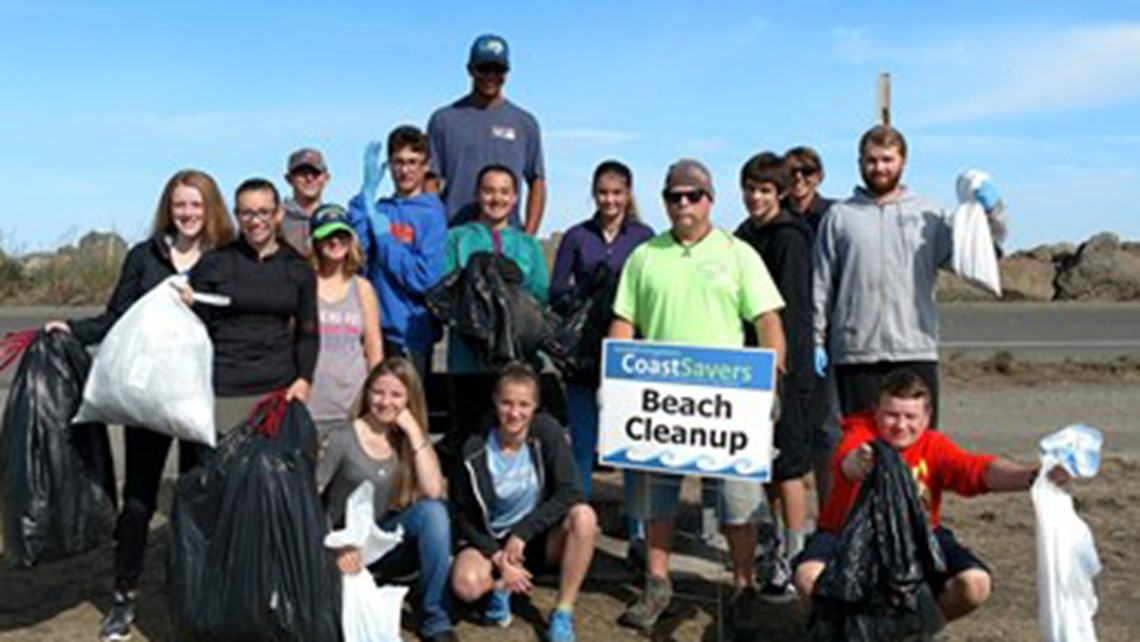 2017 Rowing Club beach clean up